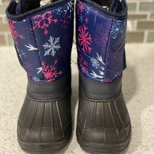 ICELAND BOOTS 4-GIRLS, SIZE 10. (NWT).